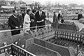 Prinses Beatrix bekijkt een model van het Binnenhof, Bestanddeelnr 924-4092.jpg