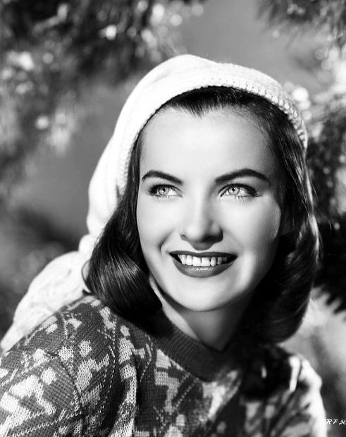 Promotional photograph of Ella Raines