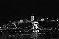 Puente de Las Cadenas sobre el Danubio b&n.jpg