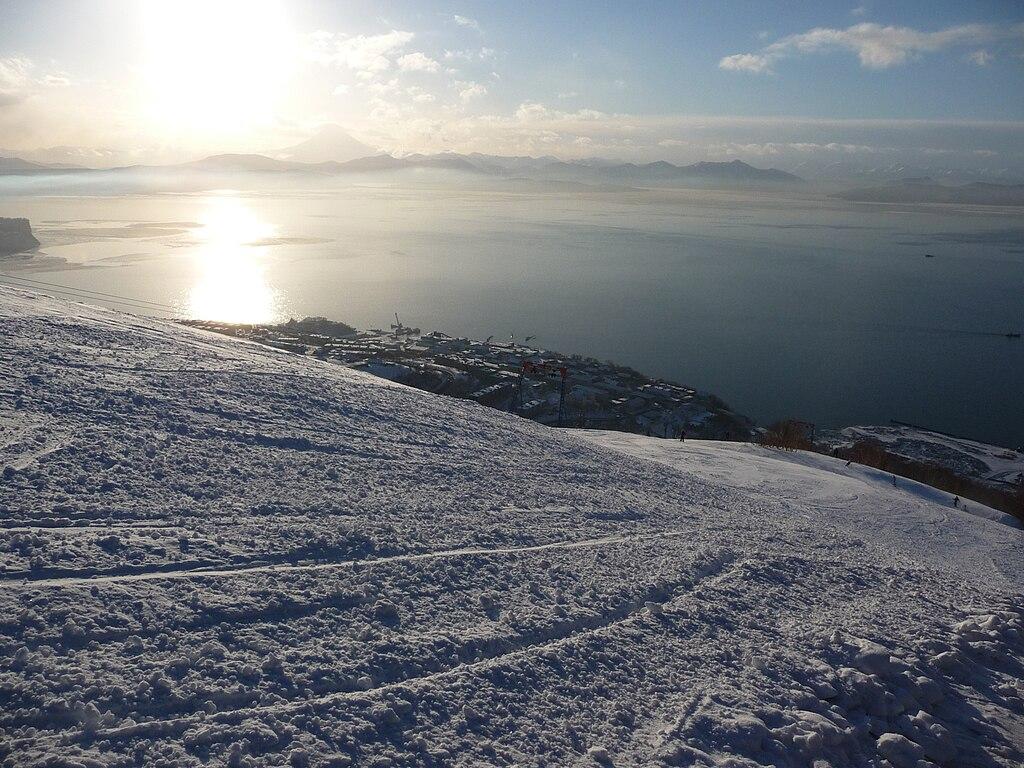 Red hill Avacha bay view.JPG