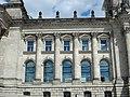 Reichstasgebäude - Westansicht ( Rechts - Fassade ).jpg