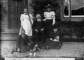 Revd William Rees Williams, vicar of Gyffylliog and family