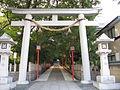 Rokko-yahata-jinja torii.jpg