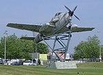 Rond-point avion rochefort2.jpg