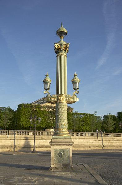 Fichier:Rostral column place concorde.jpg