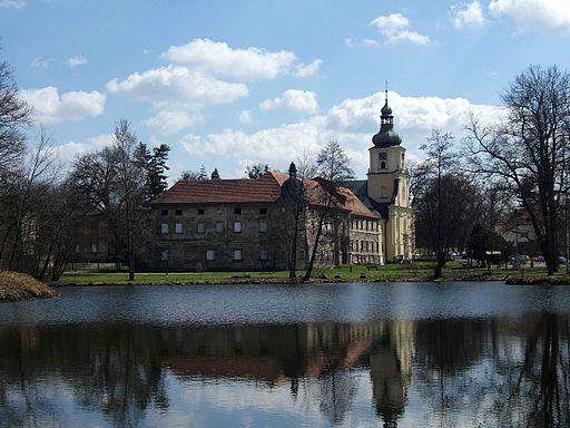 Rudy monastery lake