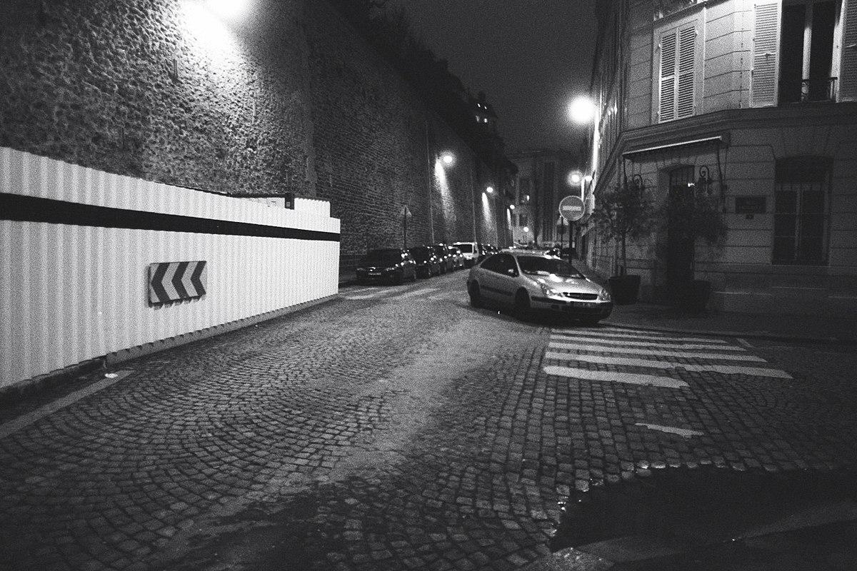 Photo Noir Et Blanc Design file:rue fresnel, paris, canon ae-1, film noir et blanc