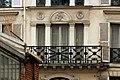 Rue des Vinaigriers (Paris), numéro 55, fenêtres 02.jpg