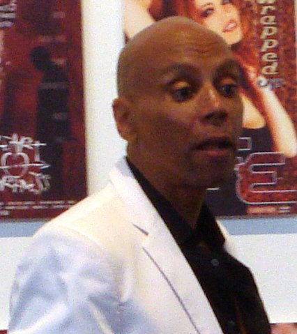 Rupaul-2009 (cropped to shoulders).jpg