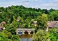Saint-Cénéri-le-Gérai Blick von der Kirchterrasse auf die Sarthe & den Vieux-Pont 4.jpg
