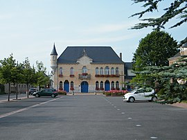 The town hall in Saint-Léger-lès-Domart