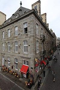 Saint-Malo 130512-07 - Hôtel de Surcouf.JPG