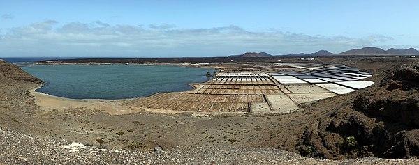 Salinas de Janubio at Lanzarote.jpg