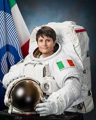 Samantha Cristoforetti - Image: Samantha Cristoforetti official portrait in an EMU spacesuit