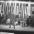 Sammy Davis Jr tijdens optreden in theater Carre, Bestanddeelnr 916-2029.jpg
