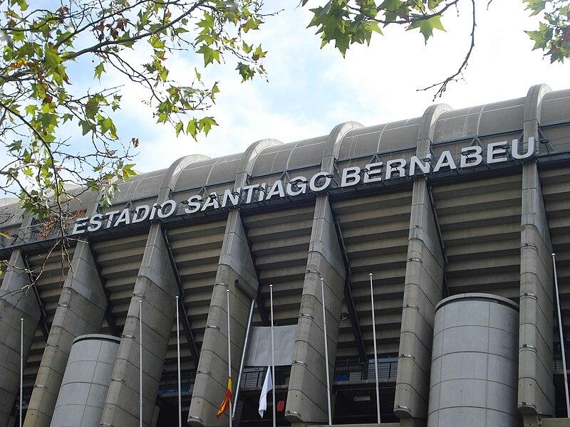 Archivo:SantiagoBernabeu.JPG