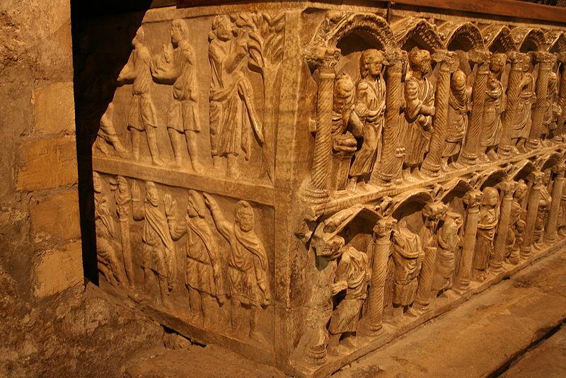 File:Sarcophage-paléochrétien-Arles-Saint-Trophime3.jpg