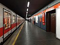 Sesto San Giovanni - stazione metropolitana Sesto Rondò - treno.jpg