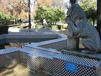 Spanish garden - Image: Sevilla Jardin De Los Leones 03