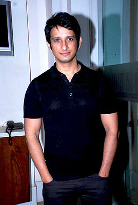 Sharman Joshi partyy.jpg
