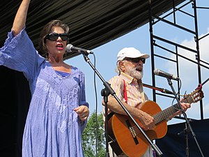 Sharon, Lois & Bram - Sharon and Bram on stage at the 2017 Peterborough Folk Festival