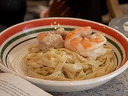 http://upload.wikimedia.org/wikipedia/commons/thumb/1/1b/Shrimp_Fettucini_Alfredo.jpg/250px-Shrimp_Fettucini_Alfredo.jpg