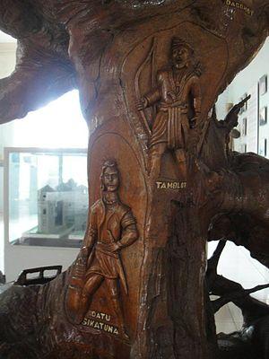 Tamblot - Carvings of Tambot and fellow Boholano hero Sikatuna