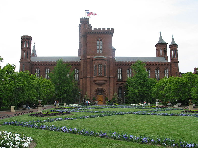 ไฟล์:Smithsonian Castle.jpg