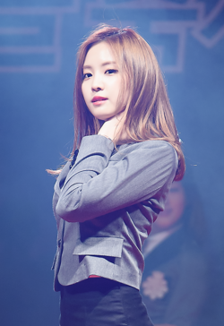 Son Na-eun at Hosan University Festival, 6 October 2015.png