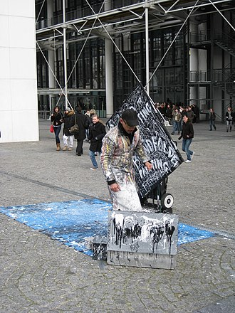 Speed painting - Image: Speed painting on Place Georges Pompidou 02