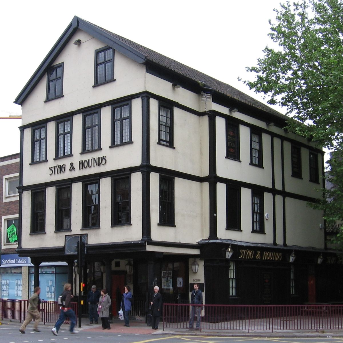 Stag and hounds public house wikipedia for Classic house bristol