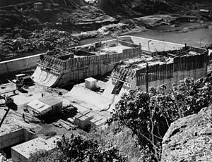 1893 Brisbane flood - Construction of Somerset Dam, 1938.