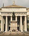 Statua Garibaldi davanti al Teatro.JPG