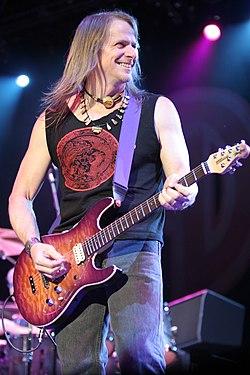 Steve Morse 2005.jpg
