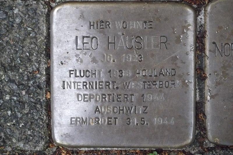 File:Stolperstein Duisburg 400 Ruhrort Fabrikstraße 21 Leo Häusler.jpg