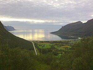 Norwegian County Road 17 - Image: Storvika fra skaret 2009 08 18