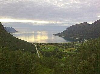 Norwegian coastline - Image: Storvika fra skaret 2009 08 18