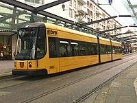 Straßenbahnwagen 2632 Dresden.jpg