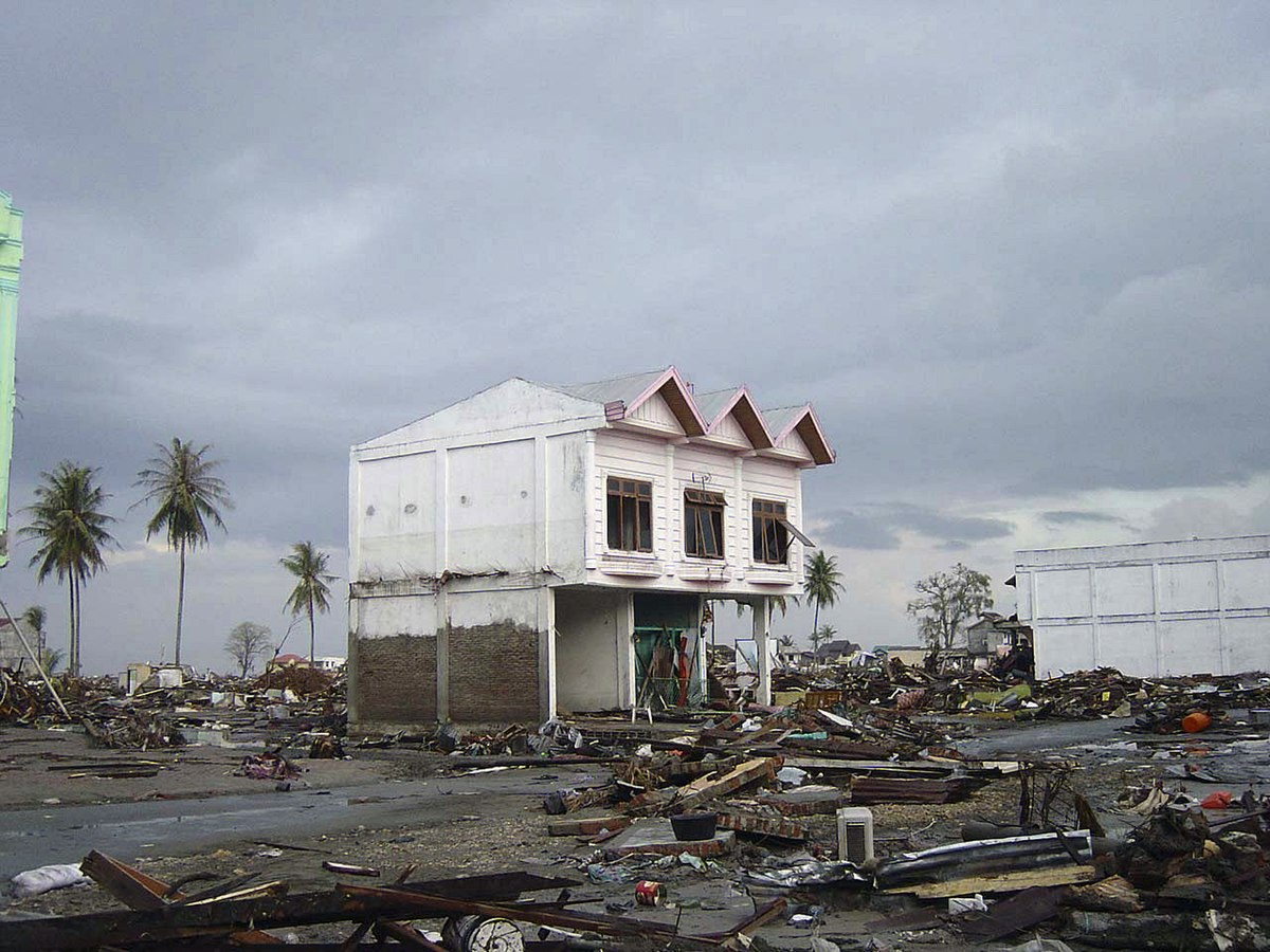 File Street In Downtown Banda Aceh After 2004 Tsunami Dd Sd 06 07372 Jpeg Wikimedia Commons