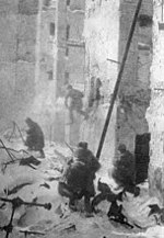 Street fighting in Stalingrad.