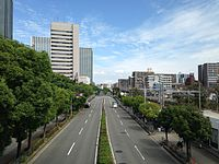 Tamatsukurisuji Street in front of Osakajo-Koen Station (north).JPG
