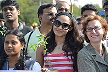 Tamil Actress Andrea Jeremiah joined U.S. Consul General Jennifer McIntyre to celebrate World Environment Day at Marina Beach on June 5, 2012.jpg