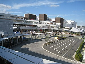 Terracemall Shonan North Bus Terminal Side.jpg