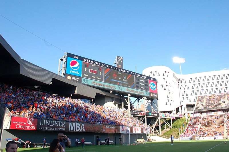 File:The Bailey and scoreboard (28073135650).jpg