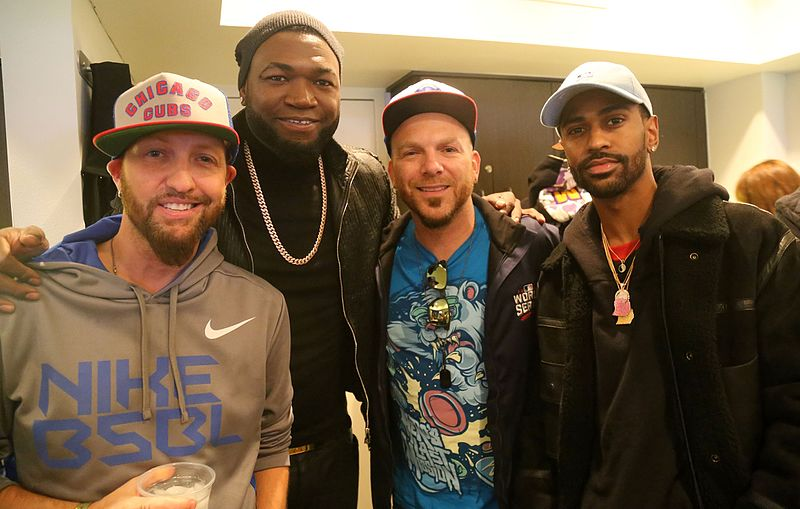 File:The band LOCASH, David Ortiz and Big Sean at Game 5 of the World Series. (30565642332).jpg