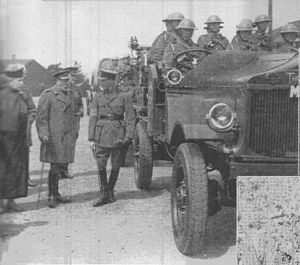 Thornycroft Hathi - King George V inspecting a mechanized machine gun detachment in 1928