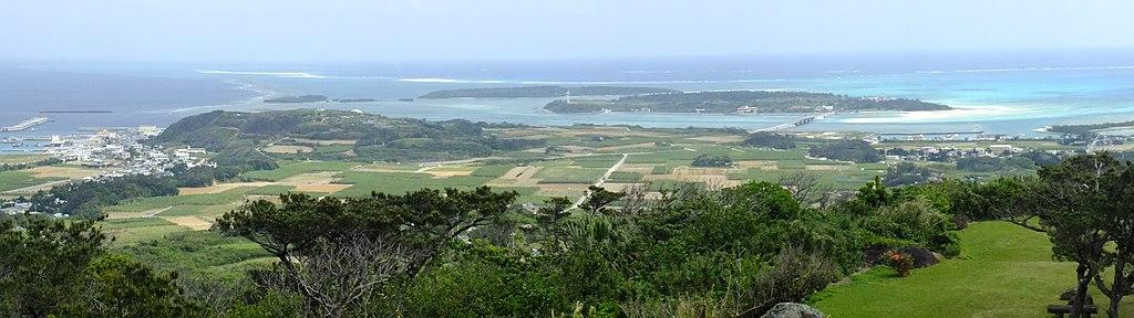 Tounnahajou-Kumejima, Okinawa(登武那覇城からみる奥武島、はての浜)DSCF6544