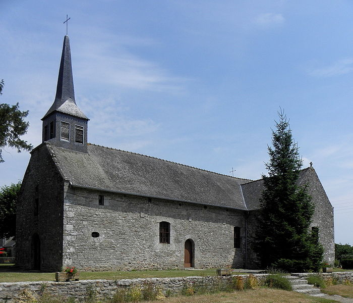Église Saint-Germain de Trébédan (22). Vue méridionale.