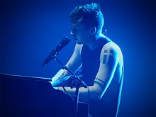 Twenty One Pilots, Brixton Academy, London (25244934665).jpg