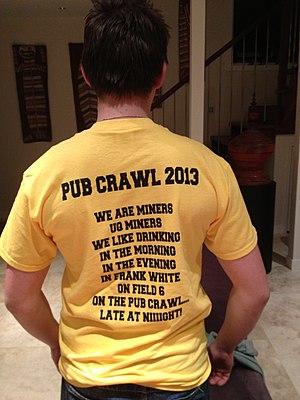 Pub crawl - Image: UQ Pub Crawl 2013